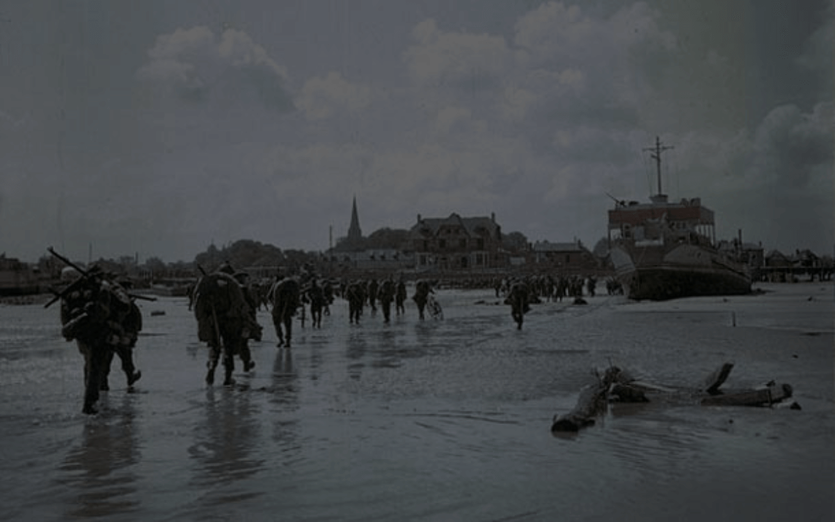 Canadian_Soldiers_Juno_Beach_Town-1